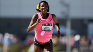 Alysia Montano running the 800m at the 2014 outdoor national championships.